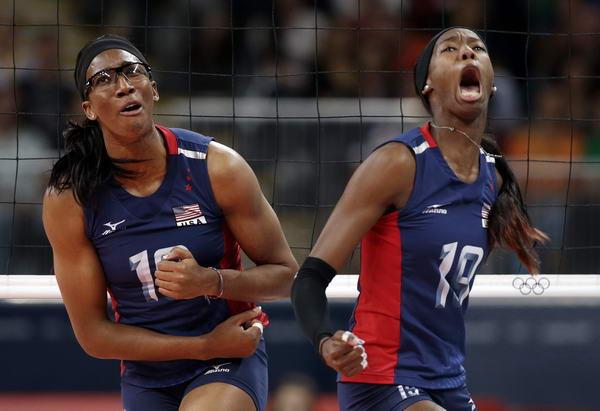奥运图:女排决赛巴西夺冠 怒吼