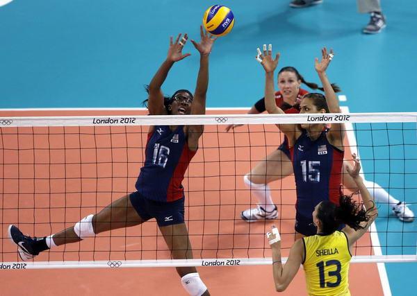 奥运图:女排决赛巴西夺冠 网上争夺