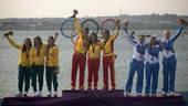 奥运图:帆船6M女子对抗赛 领奖台上