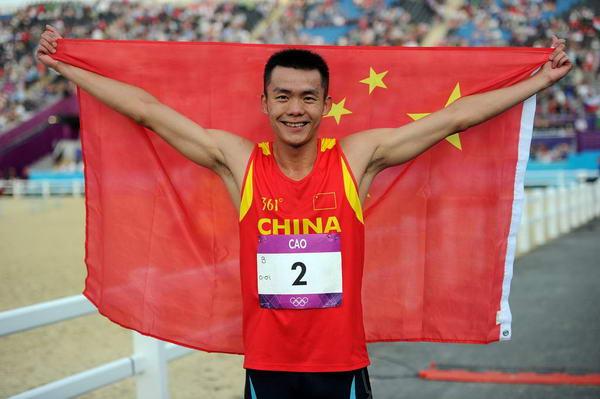 奥运图:现代五项中国创历史摘银 身披国旗