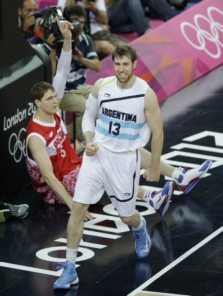 奥运图:俄罗斯险胜获铜牌 诺西奥尼带球撞人