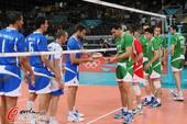 奥运图:意大利男排获得铜牌 双方交换礼物
