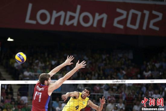 当地时间8月12日,2012年伦敦奥运会男子排球决赛,俄罗斯在先失两局的情况下3:2逆转战胜巴西。Osports全体育图片社