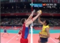 奥运视频-索萨网前跃起争抢得手 巴西VS俄罗斯