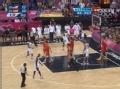 奥运视频-杜兰特持球欲隔人劈扣 大加索尔犯规