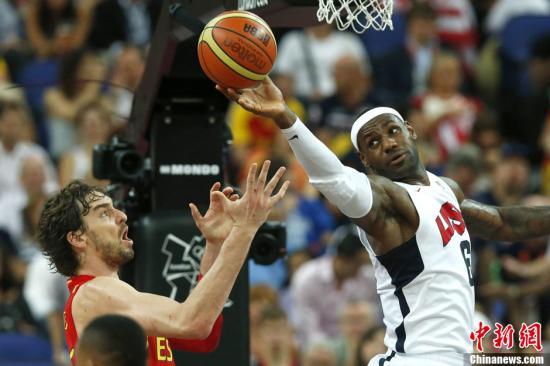 当地时间8月12日,伦敦奥运会男子篮球决赛,美国以107:100战胜西班牙夺冠。Osports全体育图片社