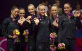 奥运图:艺术体操团体俄罗斯卫冕 意大利获铜牌