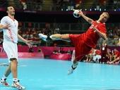 奥运图:男子手球克罗地亚获得铜牌 持球进攻