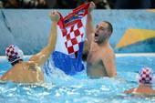 奥运图:男子水球克罗地亚夺冠 水中庆祝