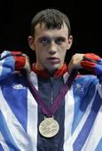 奥运会:皮耶夫男拳击69kg夺冠 亚军获得者
