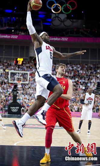 美国男篮五虎将两次加冕 科比称暮光之冠不容易