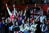 奥运图:男拳91+英国夺冠 观众欢呼