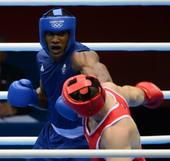 奥运图:男拳91+英国夺冠 重拳出击