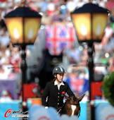 奥运图:伦敦奥运最后一战 马术比赛中