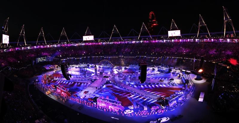 """当地时间8月12日,伦敦奥运闭幕式在""""伦敦碗""""内举行。"""