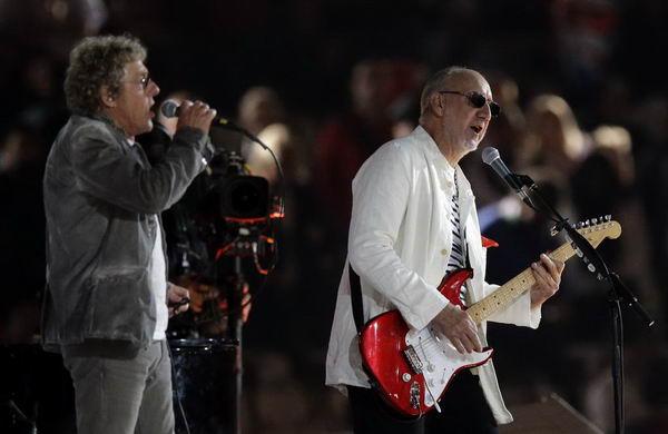 奥运图:谁人乐队压轴闭幕式 两人倾情演唱
