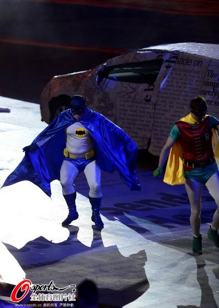 奥运图:奥运闭幕第三幕 蝙蝠侠与罗宾