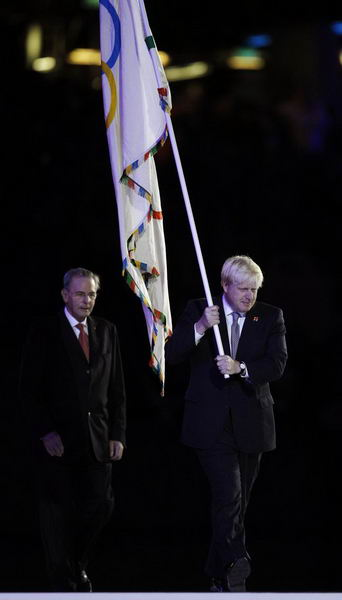 奥运图:各国政要现身闭幕式 伦敦市长举五环旗