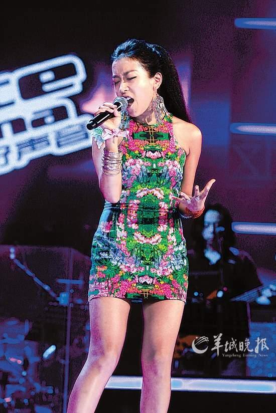 好声音平安唱过的歌_中国好声音:那英唱过他写的歌?《你的微笑》原创上场!视频 ...