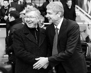 按照英媒的说法,正是曼联主帅弗格森(左)致电阿森纳主帅温格(右),才使两队16年来首次坐在同一张谈判桌上。