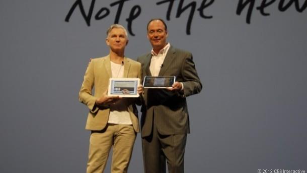 """尽管外界质疑Galaxy Note作为智能手机,其尺寸太大;作为平板电脑,其尺寸太小。但该产品销售不错。很多人曾称呼Galaxy Note为""""手机平板""""。"""