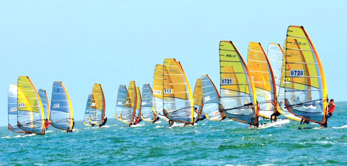该奖项是由青岛国际帆船周,青岛奥帆博物馆共同为支持青岛帆船运动