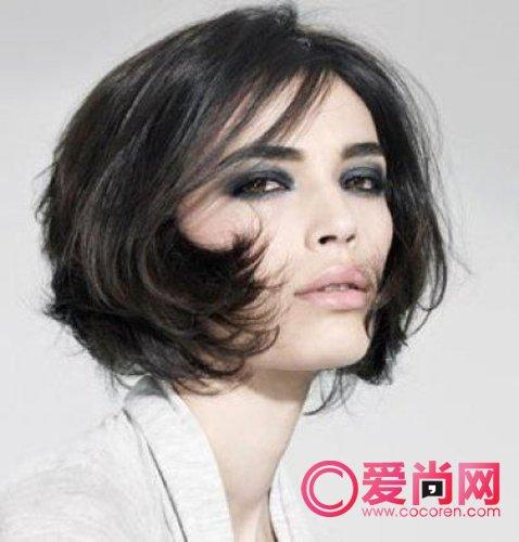 v短发短发打造短发烫发发型俏丽的大气(1)_时尚剪个优雅短发图片