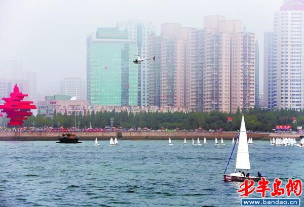 """据介绍,""""千帆竞发""""海上巡游嘉年华是青岛国际帆船周推出的一项重要"""