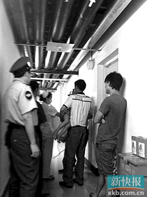 有孩子被送往医院治疗。市民供图