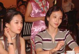 刘亦菲与母亲