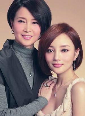 李小璐与妈妈