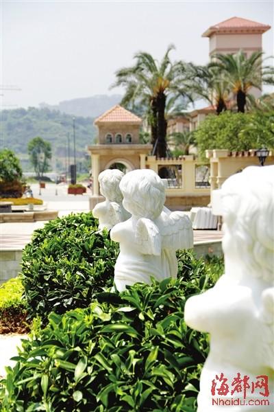 小天使雕塑为维多利亚公园增添不少情趣