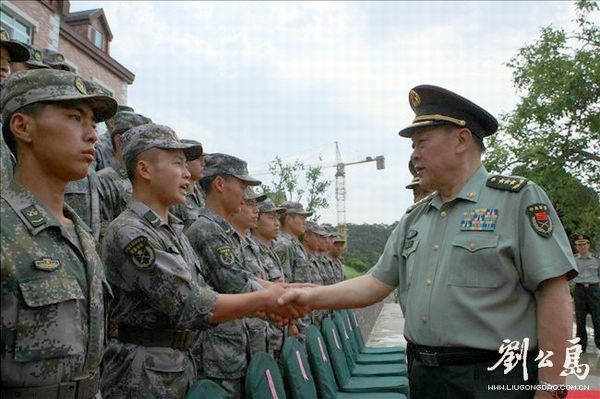 梁光烈:加强民兵应急应战建设 增装备科技含量