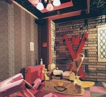 情趣精怪探秘日本十大组图古灵(情趣)主酒店播情人节视频图片