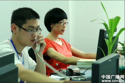 上图:中国南车株机公司海外营销人员紧张工作中。