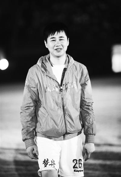 陶伟是怎么死的_足球评论员陶伟济南遇害 前日凌晨最后一次亮相-搜狐新闻