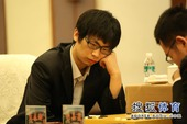 图文:衢州-烂柯杯决赛 孟泰龄在沉思