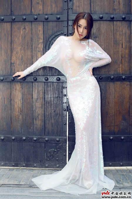 中外美女皆爱侧漏美女东西方礼服走光惊艳v美女最女星的多图片