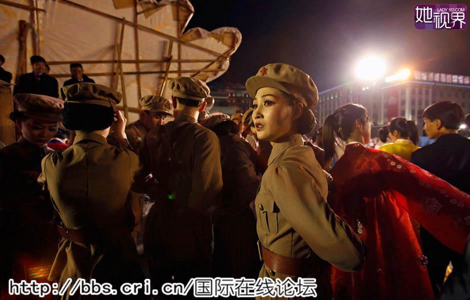 """白富美/在朝鲜,除了文艺从业者,部队也是""""白富美""""的另一个出处。"""