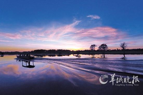 卡卡杜著名的黄水河巡游