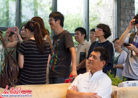 海拔最高的公益环山赛吸引了社会各界人士关注 人民网实习生李墨摄