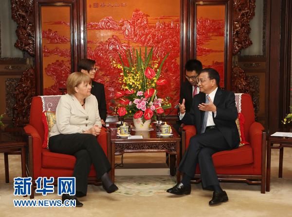 8月30日,国务院副总理李克强在北京中南海会见德国总理默克尔。新华社记者 刘卫兵 摄