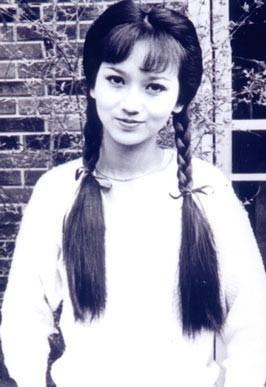 """张柏芝 杨幂 刘亦菲 赵雅芝/梳辫子的""""小姑娘"""":女星清纯度大比拼"""