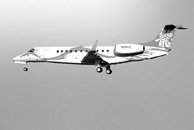 成龙乘私人飞机开个唱 空姐自己雇起飞要排队
