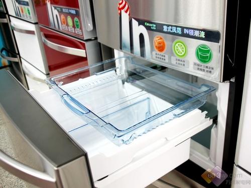 冷冻室抽拉设计,带给消费者便捷的操作体会,厨房乐趣就此展开。