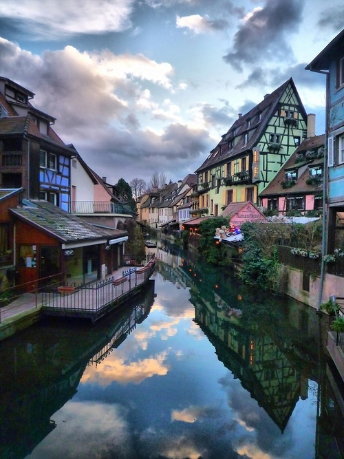 科尔马/法国东北部小镇科尔马。