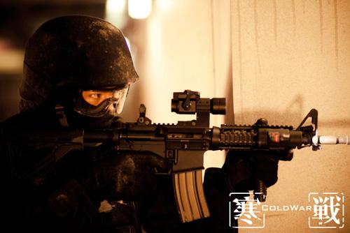 据了解,此次片方首次邀请到货真价实的前香港飞虎队成员加盟,并在枪战