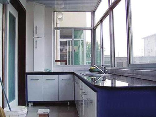 阳台变身阳光厨房是否可行,地面装饰如何搭配,防潮防水如何解决
