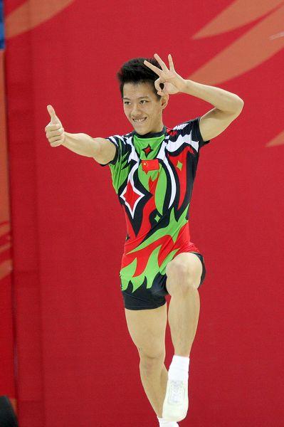 图文:大运会健美操男子单人赛 没问题很棒