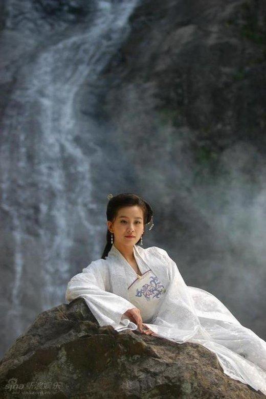 从芭蕾舞女到金鹰女神 揭秘刘诗诗不为人知的